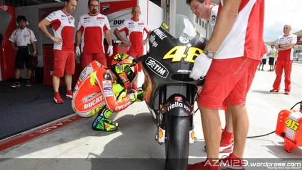 Rossi-test-sepang-2012