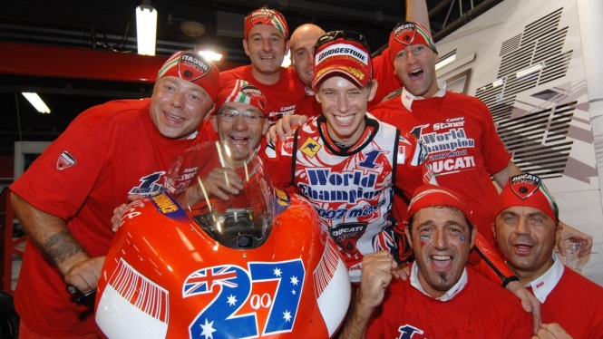 Stoner-world-champion-2007